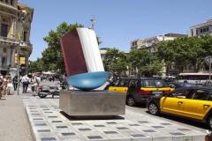 Пам'ятник книзі в Барселоні. Іспанія.