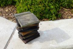 Пам'ятник книзі у штаті Юта. США