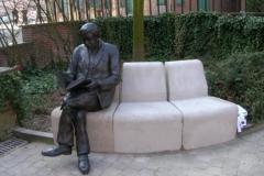 Пам'ятник читачеві в Mouscroun, Бельгії